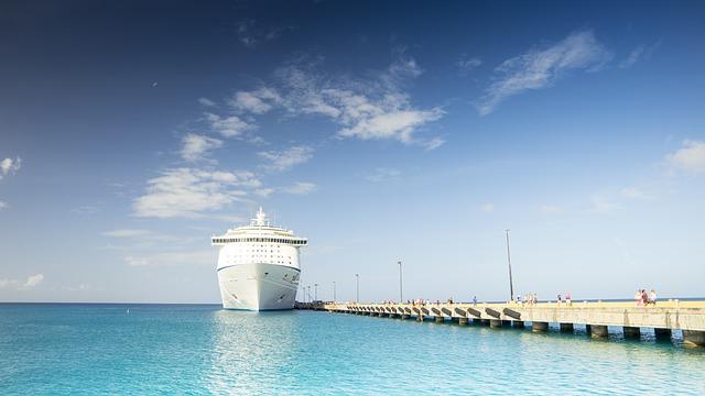 cruise-ship-1218305_640